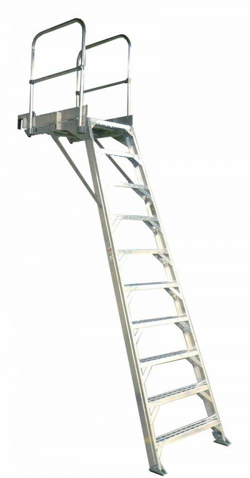 777 Aircraft Wheelwell Ladder